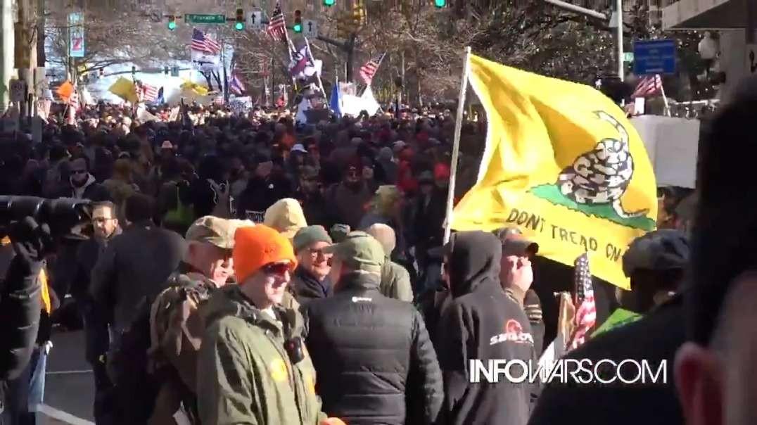 Alex Jones Inside The Massive Pro 2nd Amendment Crowd Rallying At Virginia Capital