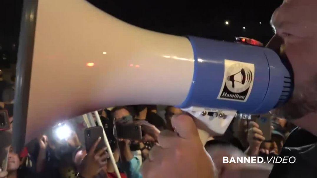 Alex Jones Fires Up Trump Supporters in Arizona!