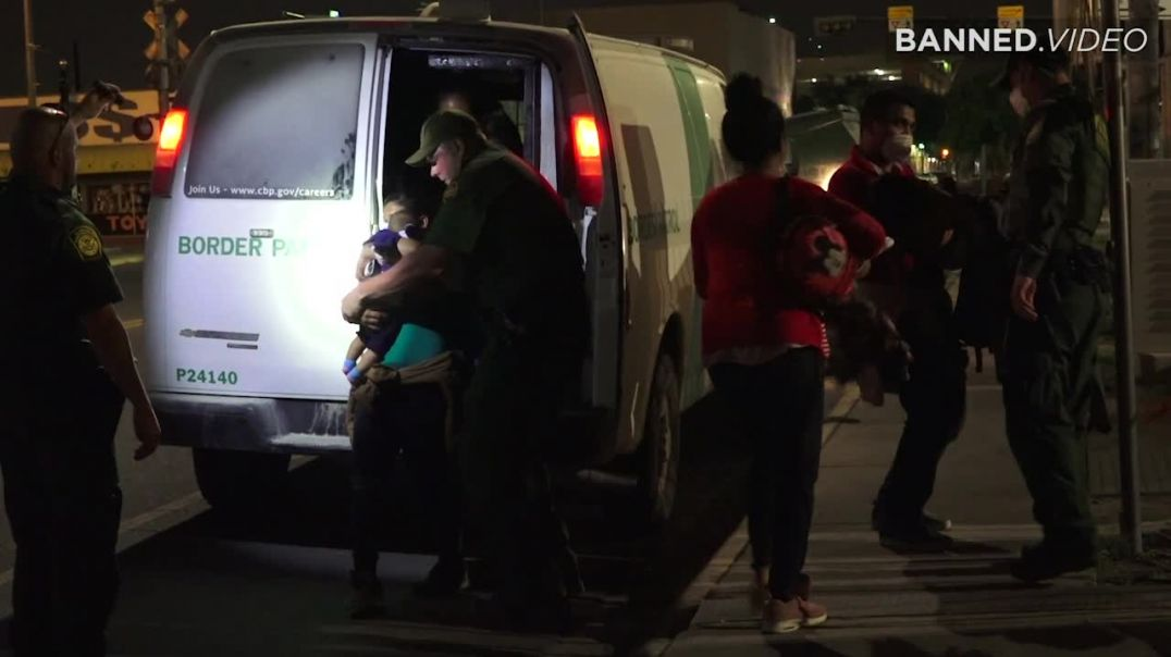 ⁣Dozens Of Pregnant Illegal Immigrants Arrive In The Dark Of Night In Texas