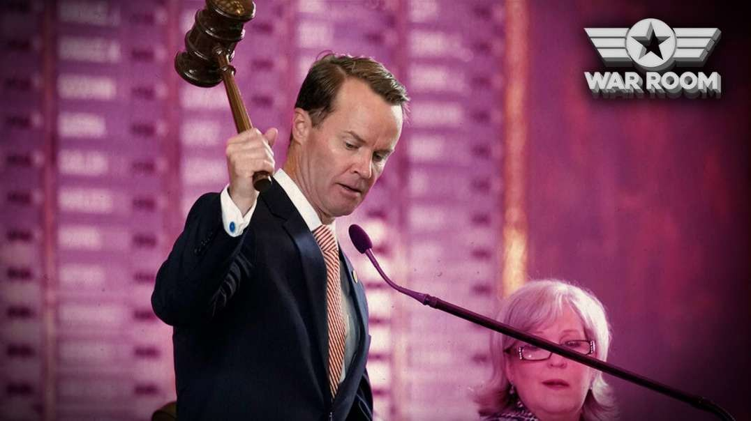 Texas House Speaker Signs 52 Arrest Warrants For Democrat Lawmakers