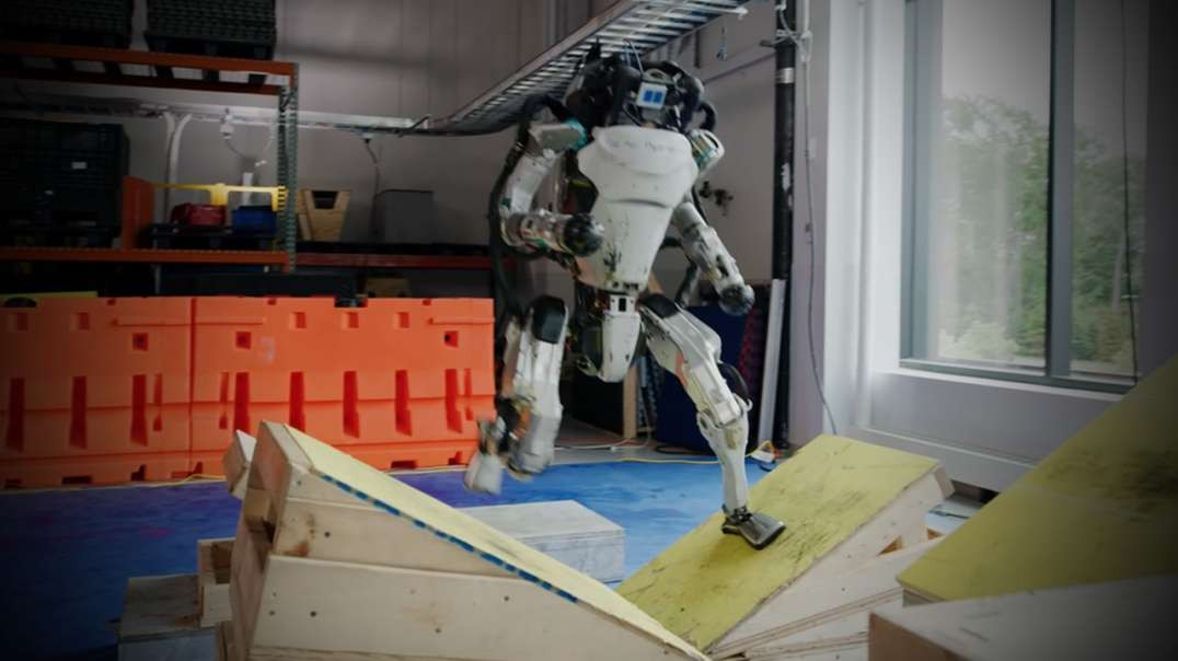 Boston Dynamics Releases New Video of Software Update For Robots